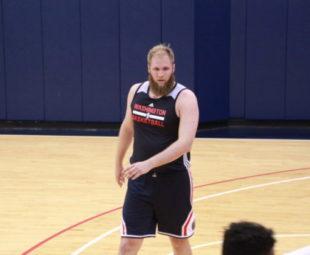 Przemek Karnowski zagra w Hornets podczas Ligi Letniej