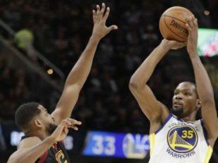 Wake-Up: Warriors pokonali Cavs. Bulls przerwali serię Heat. Paul wrócił do LA i było gorąco